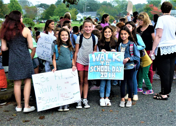 Walk to School Day 2018 at Betty McElmon